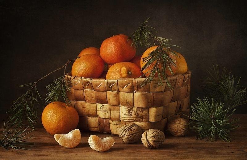 натюрморт,мандарины,орехи мандариновый предпраздничный ))photo preview