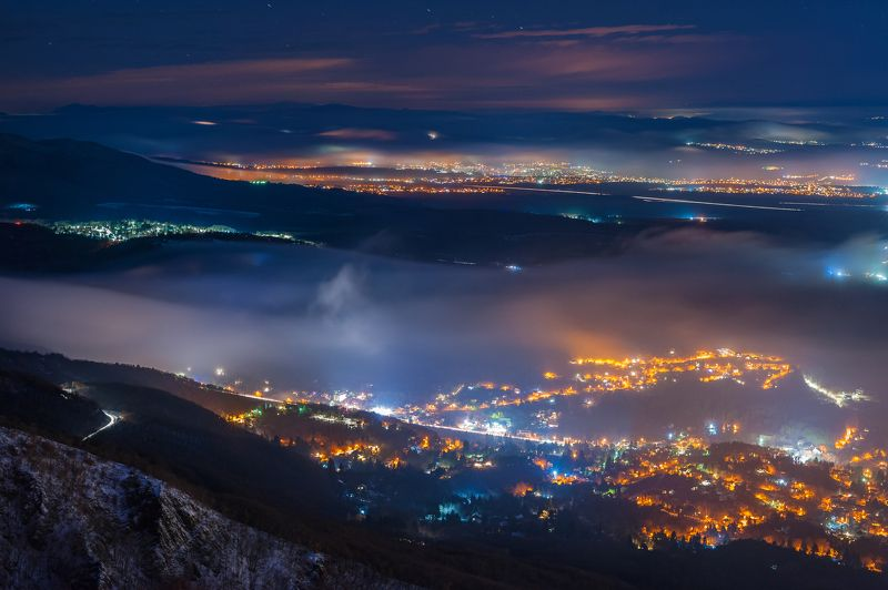 night, light, fog, sky, sity, mountain, landscape, sityscape Moods of weatherphoto preview