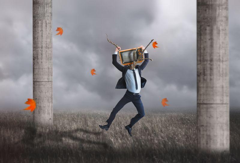 мужчина, поле, телевизор, небо Телезависимостьphoto preview