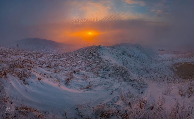 ставропольский край, фотоальбом, ставрополье, зима, ставропольская возвышенность, снег, закат, туман, трава, степь, облака, Зимний закат на горе Стрижаментphoto preview