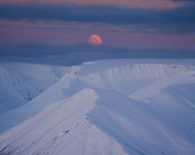 пейзаж,хибины,росся,небо,луна,закат,цвет,кольский,горы Зимние Хибиныphoto preview