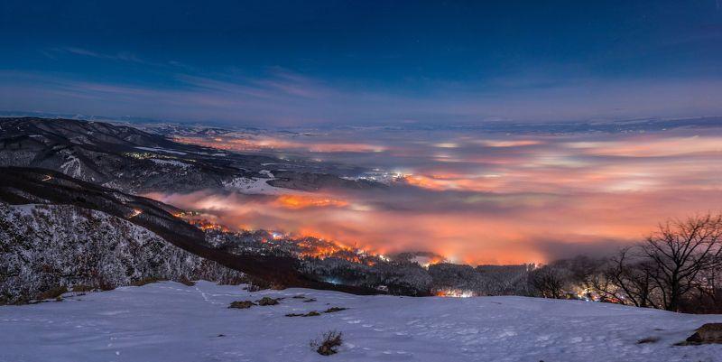 fog, foggy, city, night, light, wind, snow, sky, mountain, landscape, natura, nikon Мистическая Софияphoto preview