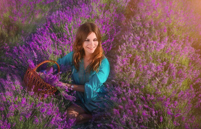 крым,прованс,лаванда,поле,портрет,девушка,рассвет,день,фототур,природа Девушка в лавандеphoto preview