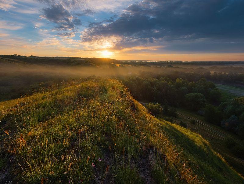 долина, лето, облака, рассвет, свет, солнце, туман, Утро, холмы, hills, Valley, foggy, clouds,fog, landscape, light, morning, panorama, Summer, sun, sunrise Утроphoto preview