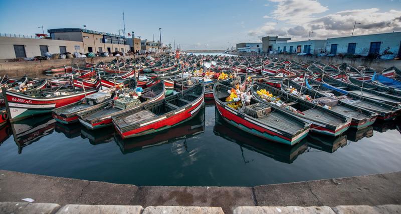 Рыбацкие лодки в Эль - Джадидеphoto preview