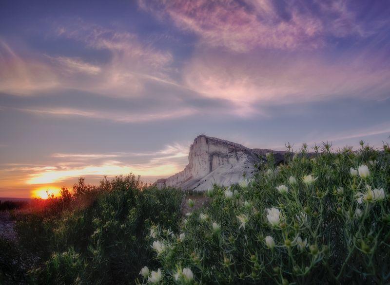 крым,белая скала,россия, пейзаж, закат,склала,горы,природа,фототур Закат на Белой Скалеphoto preview