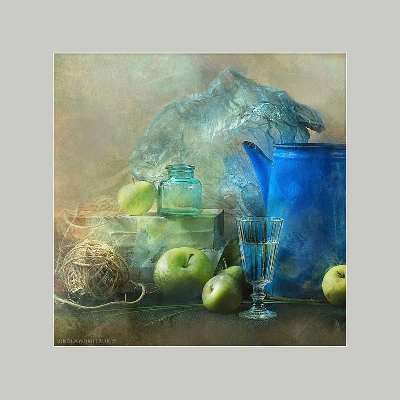 натюрморт синий чайник в квадратеphoto preview
