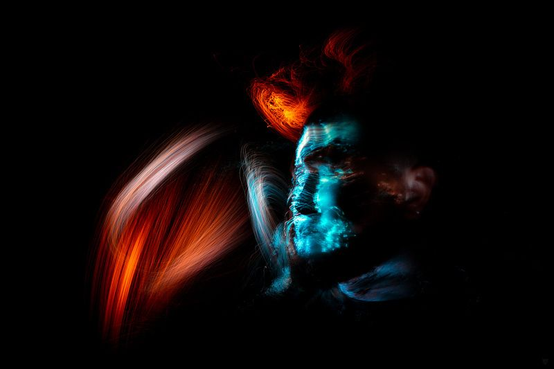 light painting, 20s, selfie, selfportrait, portrait Cyberpunkphoto preview