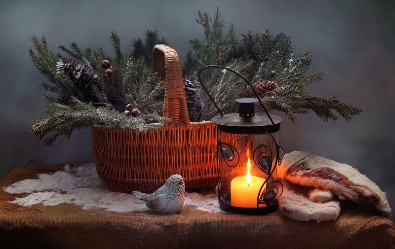 натюрморт, зима, елка, фонарь, новый год, птичка, корзина С Новым годом по старому стилю!photo preview