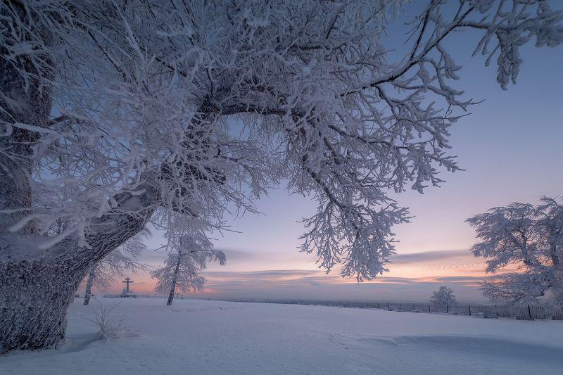 белая гора, зима, рождество, снег, мороз, метель, пурга, холод, белый, утро, рассвет На белой гореphoto preview
