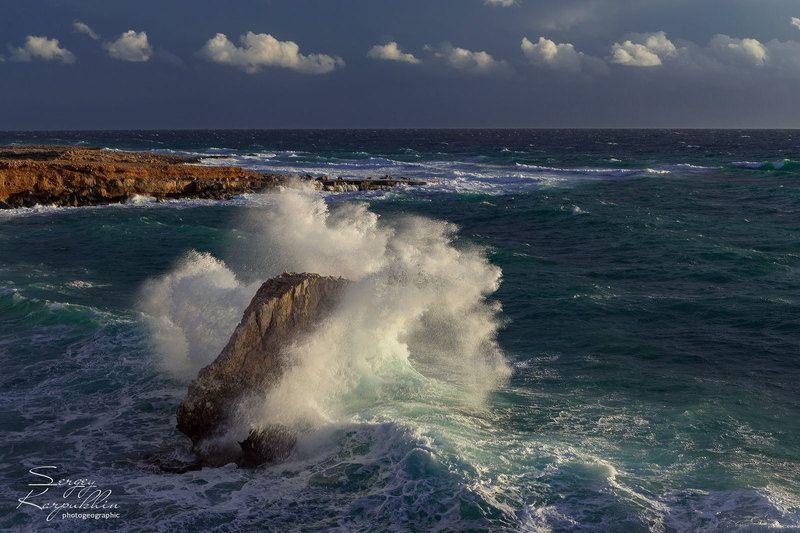 кипр, море Штормphoto preview