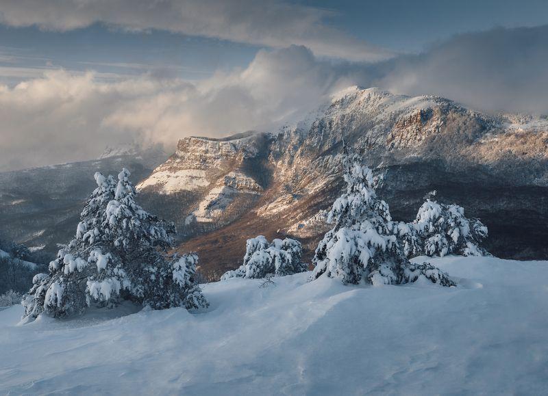 крым, демерджи, южная демерджи, северная демерджи, долина привидений, зима Снежная Демерджиphoto preview