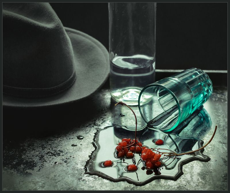 натюрморт, still life, калина, стакан, бутылка, шляпа ***photo preview