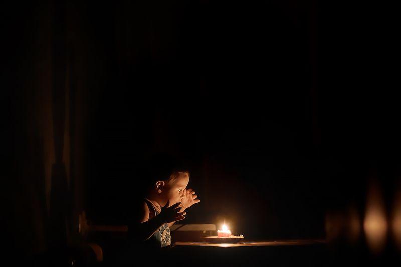 У свечиphoto preview