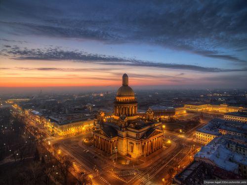 Утро Петербурга...