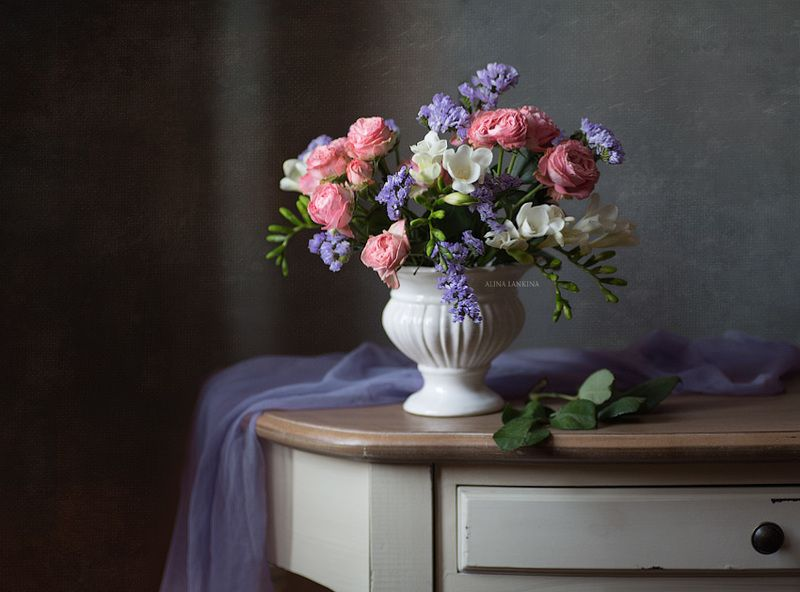 натюрморт, цветы, розы, букет, фрезия, свет, композиция ***photo preview