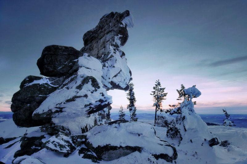 Скальные скульптуры Шерегешаphoto preview