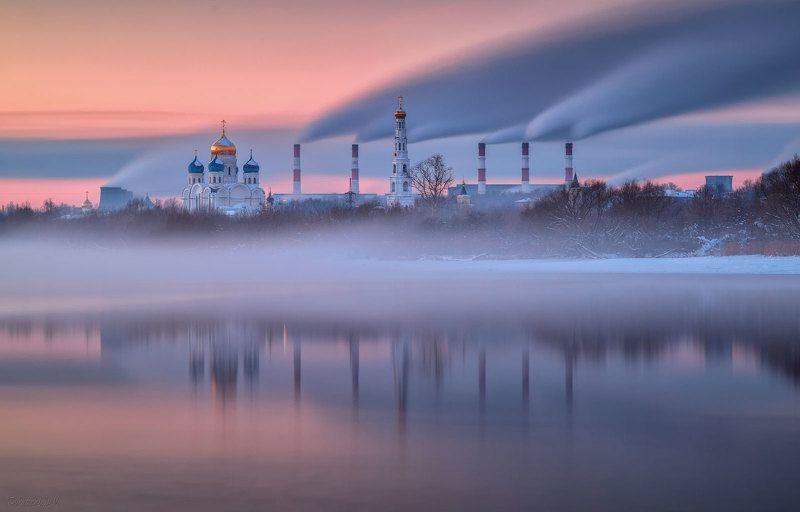 дзержинский, московская область, тэц, трубы, дым, река, монастырь Параллелиphoto preview