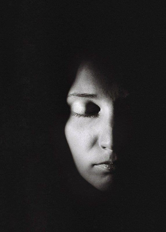 woman, portrait, b&w Insidephoto preview