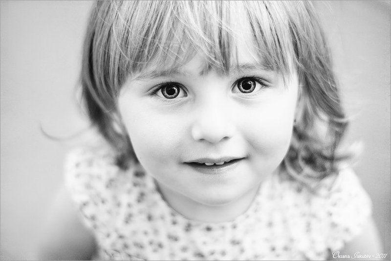 дети, улыбка, взгляд, девочка Даринкаphoto preview