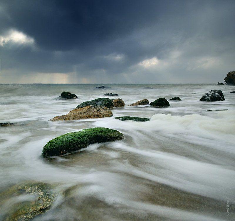 одесса, пляж, камни, дождь, море Непогода над Черным моремphoto preview