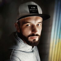 Portrait of a photographer (avatar) Andrew Oksamyt