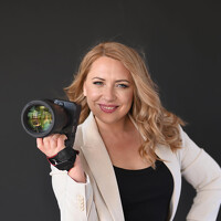 Portrait of a photographer (avatar)  Elena (Elena Lis)