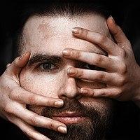 Portrait of a photographer (avatar) Damien Prokhorov