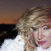 Portrait of a photographer (avatar) Olena Leliuk