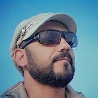 Portrait of a photographer (avatar) mansoor.mohamadi