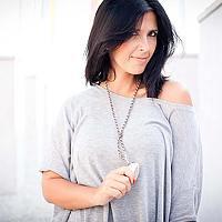 Portrait of a photographer (avatar) sandra ventura