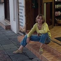 Portrait of a photographer (avatar) Elena Christou